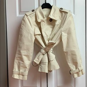 🧥Banana Republic cropped trench coat (petite)🧥